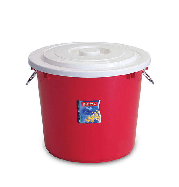PC-16 Pail 18 Litres w/ Cover & Chrome Handle
