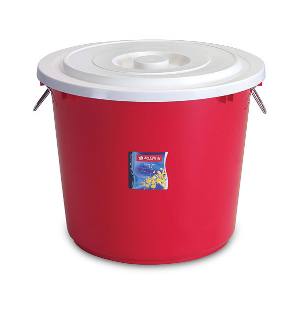 PC-18 Pail 50 Litres w/ Cover & Chrome Handle
