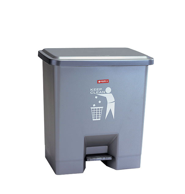 C-34 Wide Step on Dustbin 15 Litres Clean